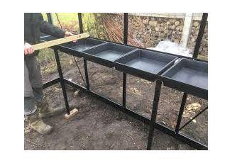 Maatwerk tafel ACD-kas incl zaaikisten / zijkant 370cm Ral 9005